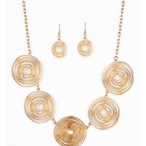 Go For the Gold Necklace Set